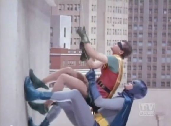 Batman_Robin_Wall_Climb