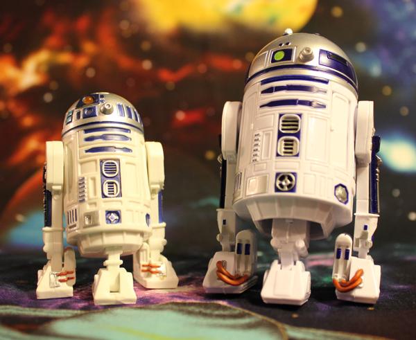 STAR_WARS_BLACK_R2-D2_SCALE_COMPARISON