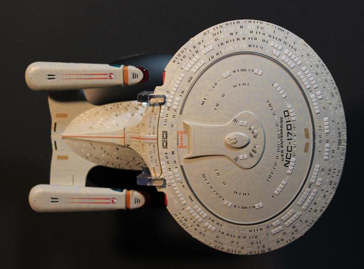 Official Starship Collection - Enterprise NCC-1701-D